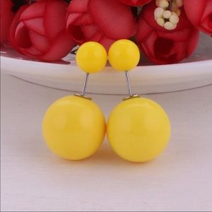 Pale Yellow Double Pearl Stud Earrings